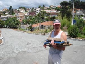 O contador Januário Quaiser, 50, mora na rua Hilário Moro há 13 anos